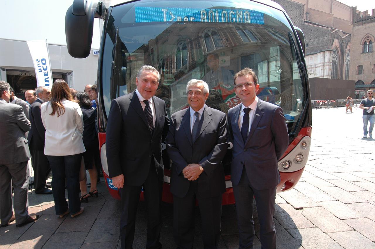 Iveco Bus completa la gamma urbana con Urbanway CNG - image 000088-000000079 on http://mezzipesanti.motori.net