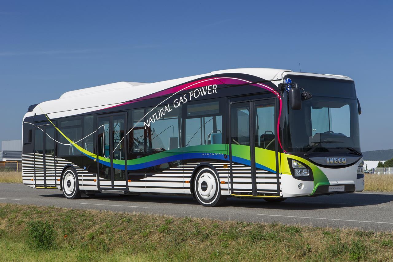 Iveco Bus completa la gamma urbana con Urbanway CNG - image 000090-000000083 on http://mezzipesanti.motori.net