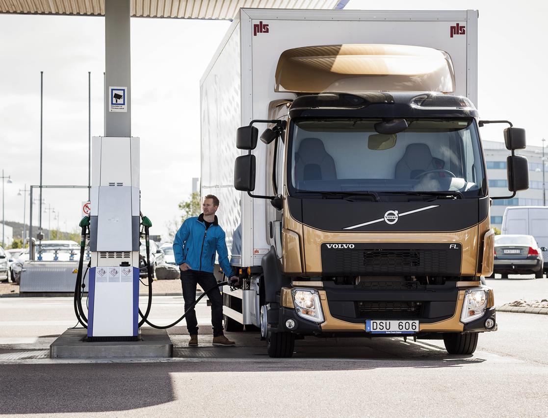 Volvo Trucks certifica tutti i motori per il gasolio sintetico HVO - image 000104-000000097 on http://mezzipesanti.motori.net