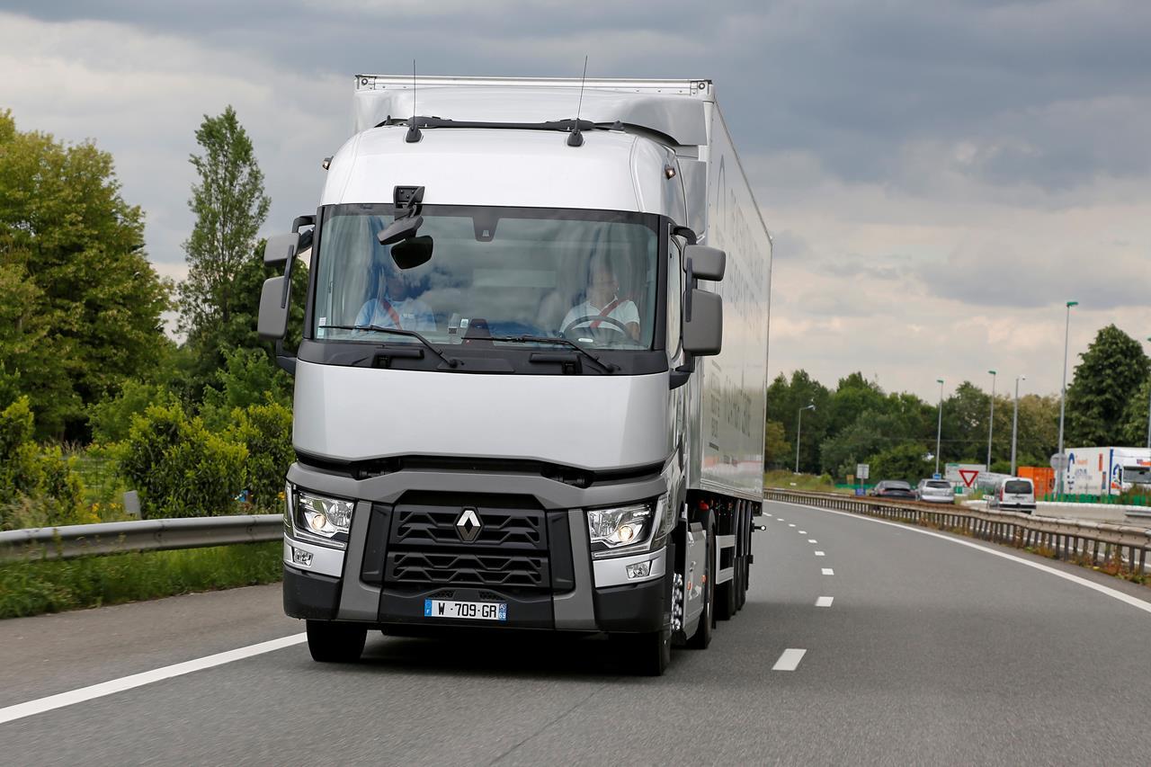 Renault Trucks si appresta a formare 150 meccanici del WFP - image 000110-000000101 on http://mezzipesanti.motori.net
