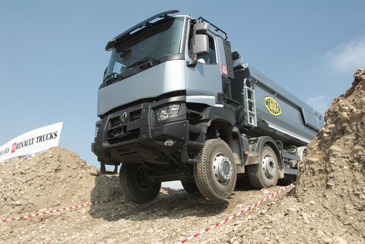 Renault Trucks si appresta a formare 150 meccanici del WFP - image 000112-000000102 on http://mezzipesanti.motori.net