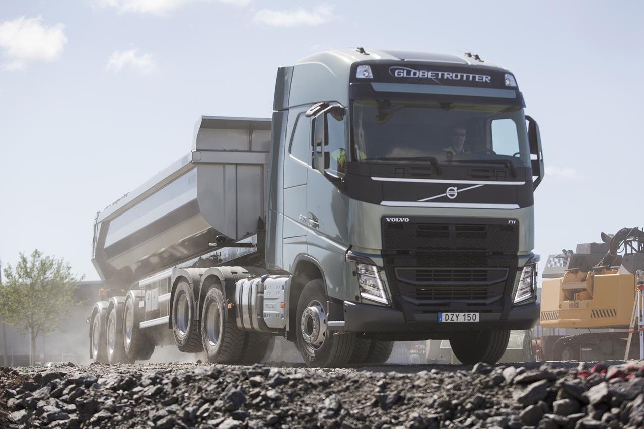 Scania pronta a conquistare l'industria delle costruzioni con Scania XT - image 000134-000000131 on http://mezzipesanti.motori.net