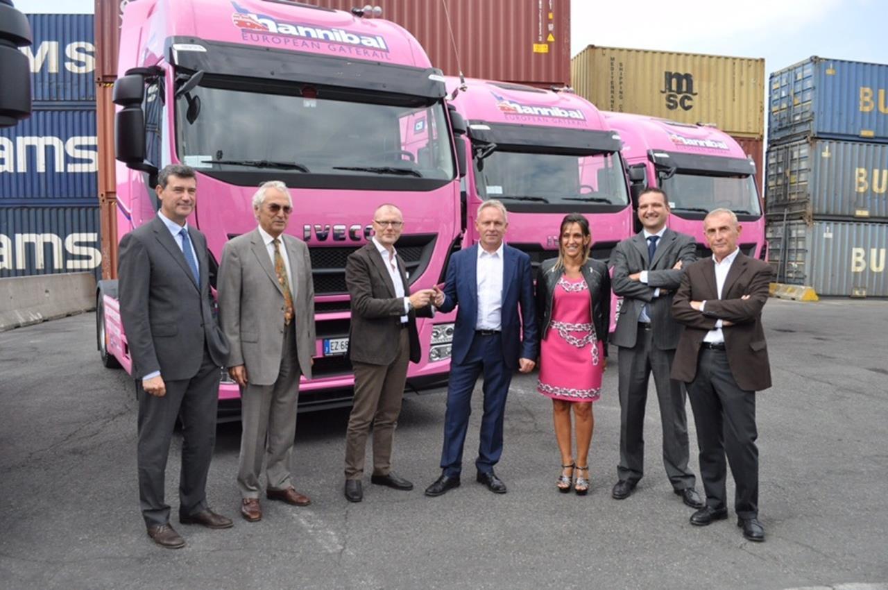 Scania pronta a conquistare l'industria delle costruzioni con Scania XT - image 000140-000000136 on http://mezzipesanti.motori.net