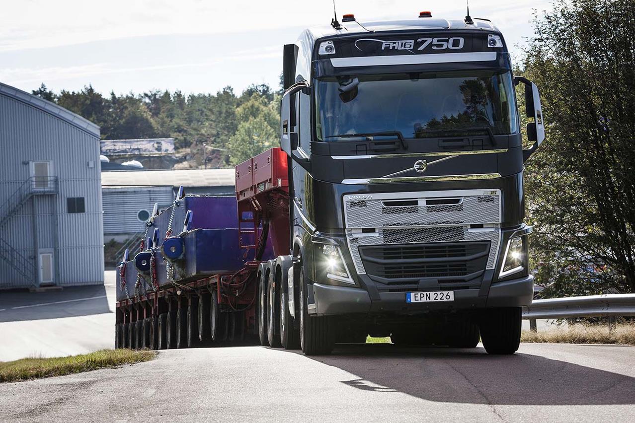 Scania presenta The Emerald: edizione limitata, soluzione completa - image 001214-000010231 on http://mezzipesanti.motori.net