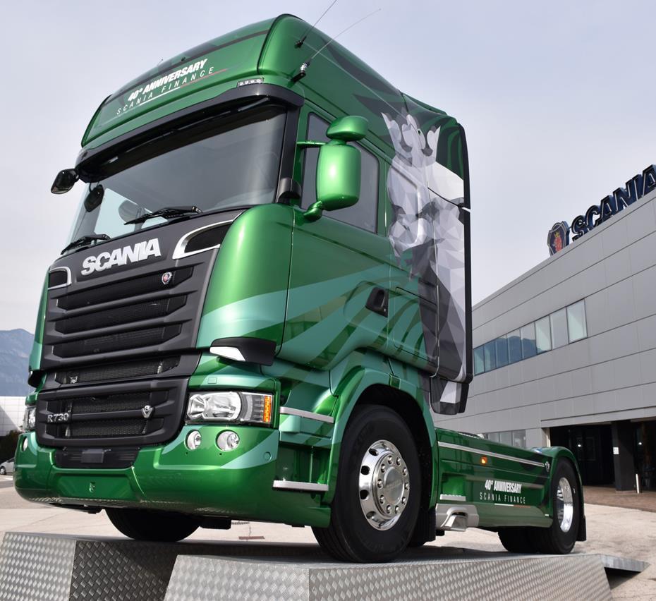 Volvo FH16 contro 750 tonnellate - image 001220-000010269 on http://mezzipesanti.motori.net