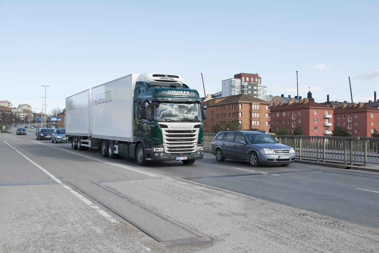 """Iveco Stralis NP eletto """"Project of the Year"""" 2017 - image 003228-000030279 on http://mezzipesanti.motori.net"""