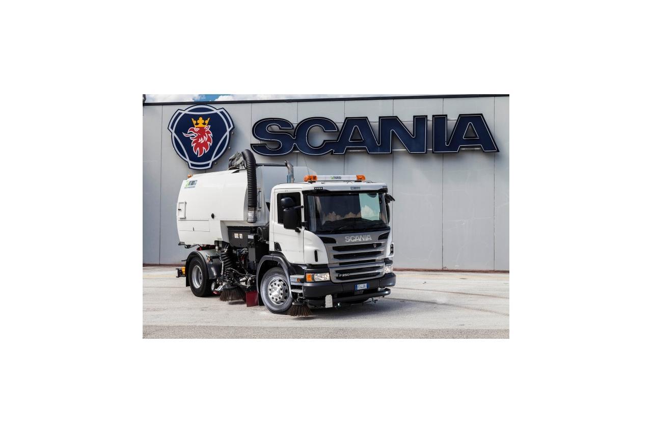 Scania pronta a conquistare l'industria delle costruzioni con Scania XT - image 003268-000030305 on http://mezzipesanti.motori.net
