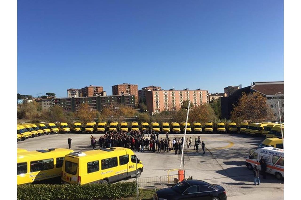 A Como arriva il primo autobus ibrido Scania - image 003358-000030402 on http://mezzipesanti.motori.net