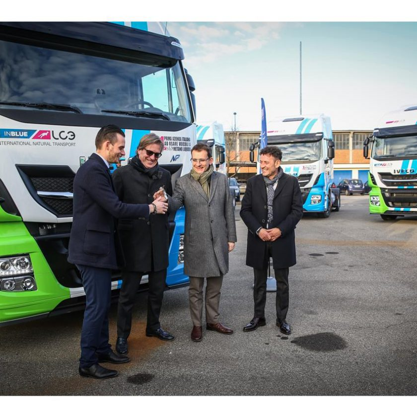 Scania presenta a Busworld il nuovo veicolo ibrido Scania Interlink LD - image 003374-000030419-840x840 on http://mezzipesanti.motori.net
