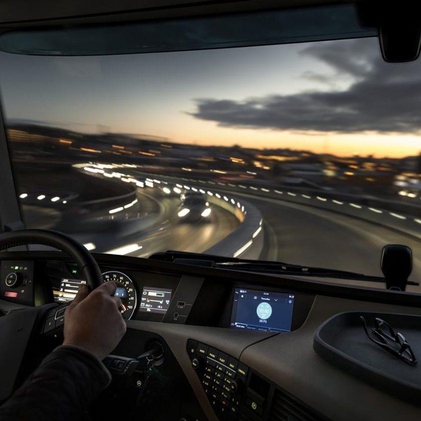 Scania presenta a Busworld il nuovo veicolo ibrido Scania Interlink LD - image 003402-000030477-840x840 on https://mezzipesanti.motori.net
