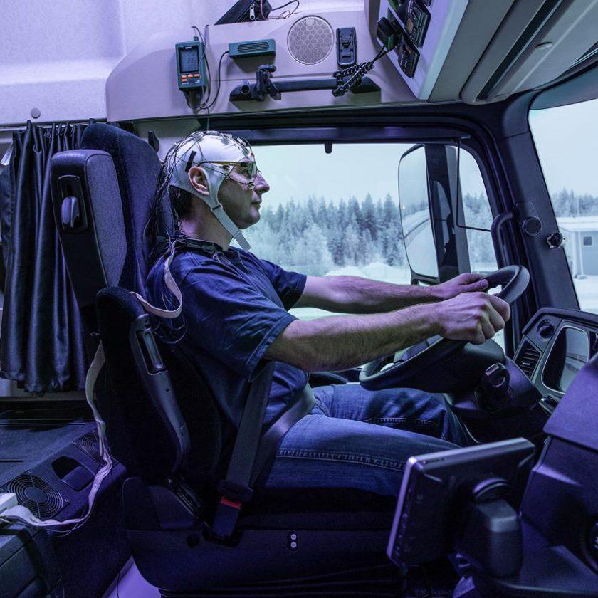 Tesla è pronta con il camion elettrico, il 26 ottobre la presentazione - image 003406-000030484-840x840 on http://mezzipesanti.motori.net