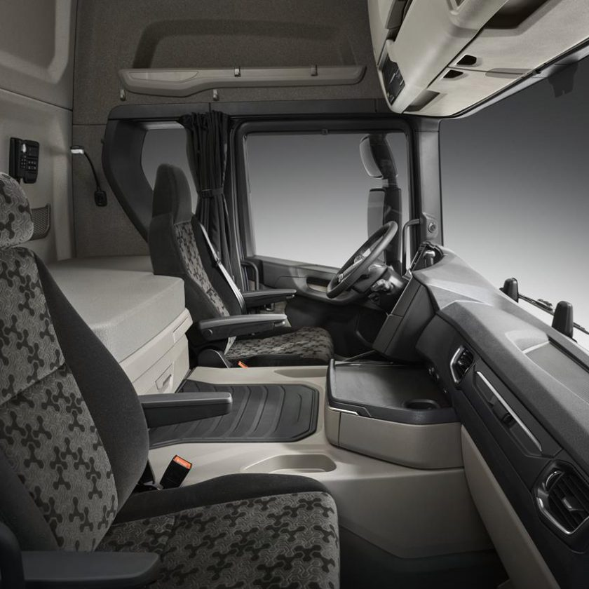 Scania presenta a Busworld il nuovo veicolo ibrido Scania Interlink LD - image 003422-000030505-840x840 on http://mezzipesanti.motori.net