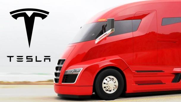 Tesla è pronta con il camion elettrico, il 26 ottobre la presentazione